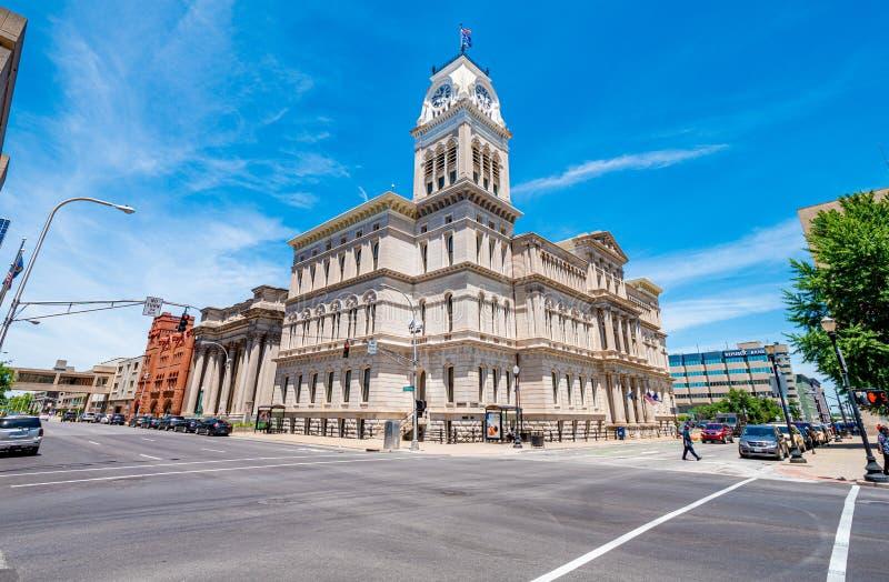 Louisville stad Hall Building - LOUISVILLE USA - JUNI 14, 2019 royaltyfri foto