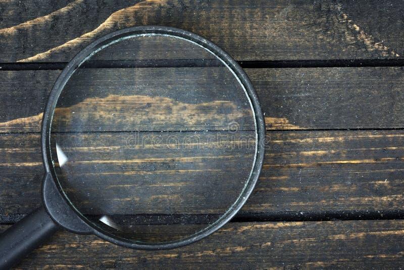 Download Loupe sur la table image stock. Image du blanc, vide - 76081101