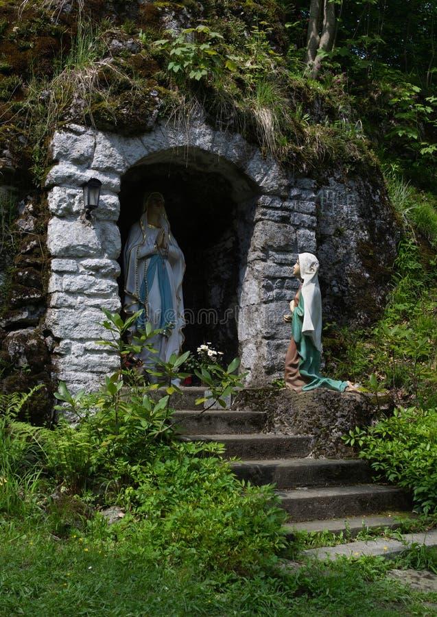 Lourdes verschijning/Marian verschijning stock foto's