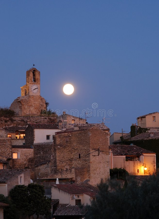 lourmarin księżyc obraz stock
