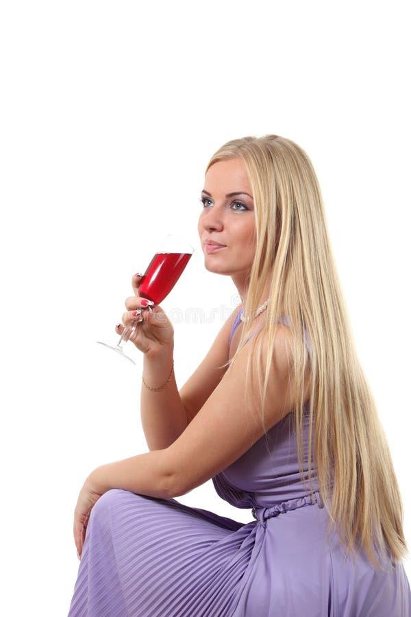 Download Louro Em Um Vinho Da Bebida Do Vestido Foto de Stock - Imagem de fêmea, forma: 16861128