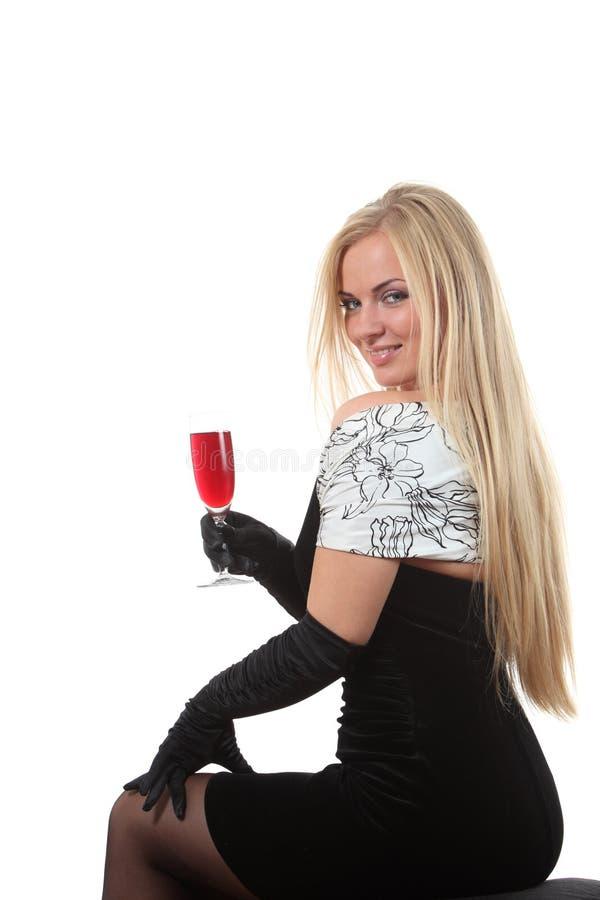 Download Louro Em Um Vinho Da Bebida Do Vestido Foto de Stock - Imagem de álcool, adulto: 16861132
