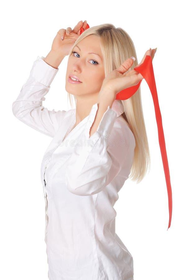 Download Louro Encantador Novo Em Uma Camisa Branca Foto de Stock - Imagem de expressão, fêmea: 12813748