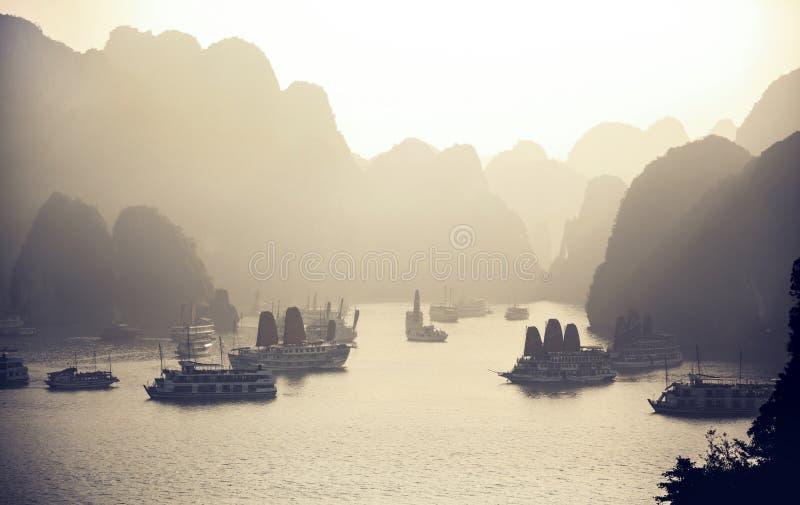 Louro longo do Ha, Vietnam fotos de stock