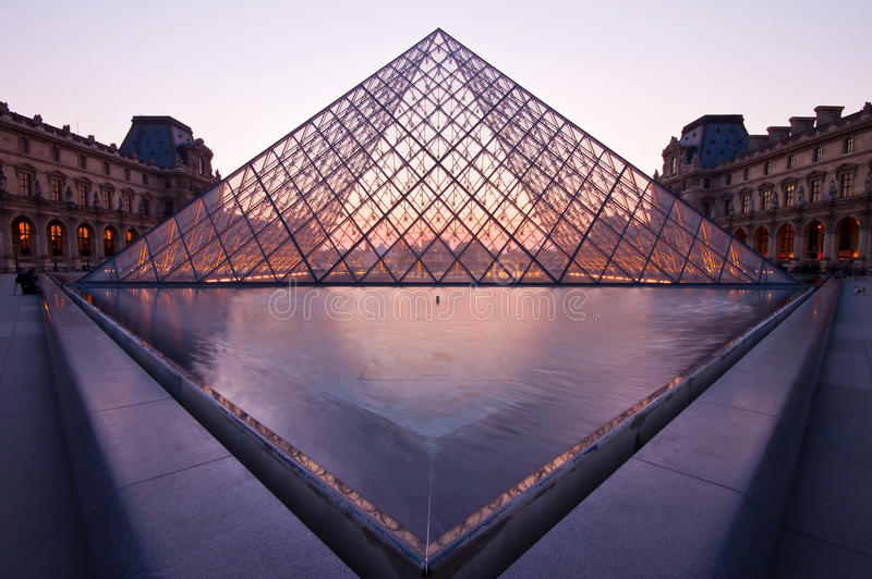 Download Louvre At Dusk Editorial Stock Photo - Image: 37995633