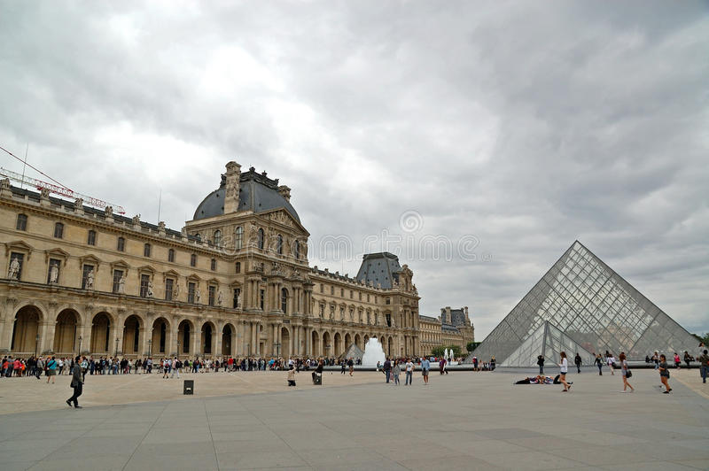 Download Louvre Editorial Image - Image: 33451930