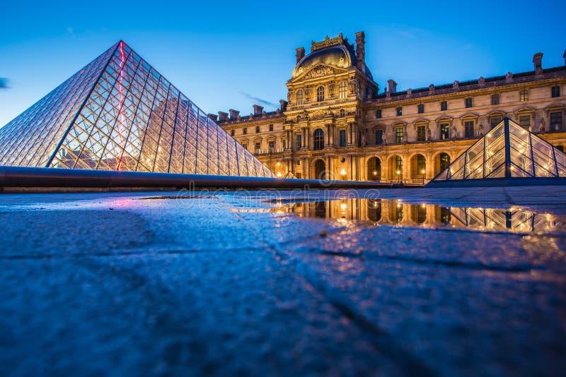 Louvre-Museum in Paris lizenzfreies stockfoto