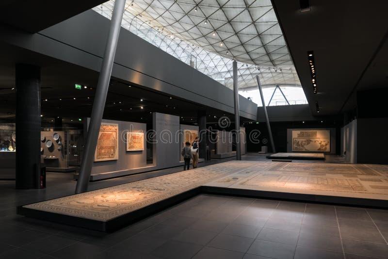 Louvre muzealna galeria, Paryski Francja obrazy stock