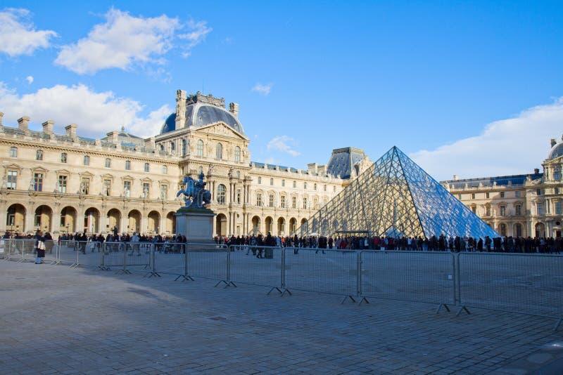 Louvre muzeum sztuki w Paryż zdjęcia royalty free