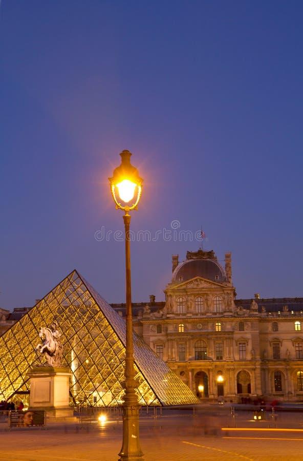 Louvre muzeum sztuki w Paryż zdjęcie stock