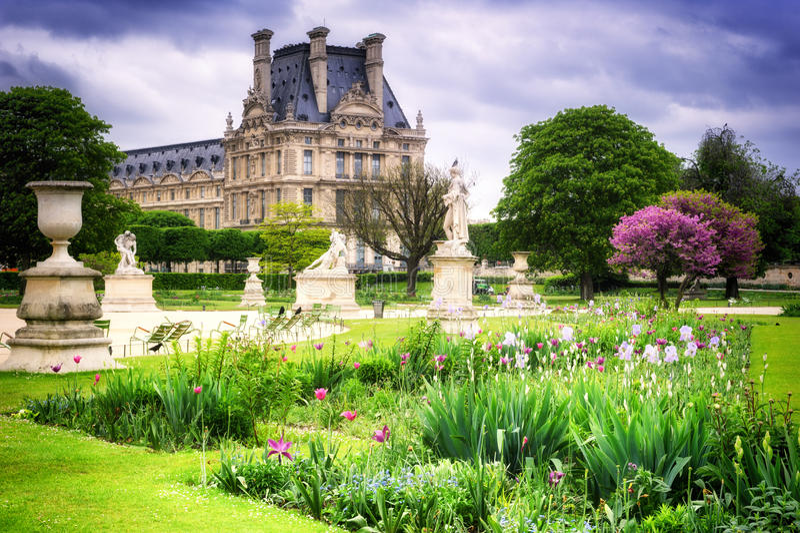 Louvre palace and tuileries garden paris france stock - Terrasse des feuillants jardin des tuileries ...
