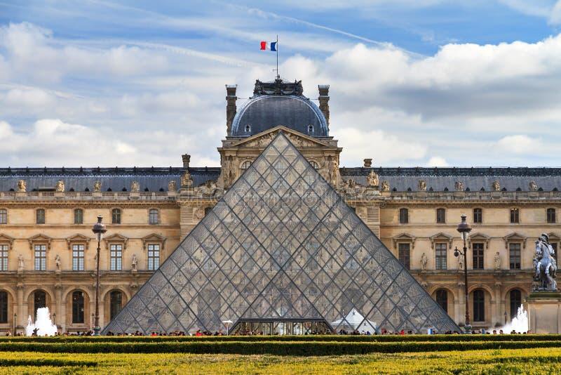 Louvre tele stock photos