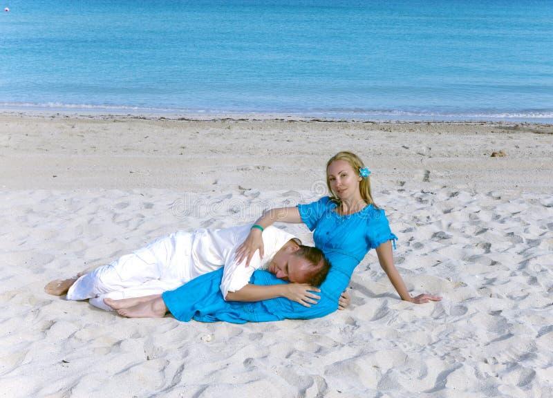 The loving couple on the seashore, Cuba, Varadero stock images