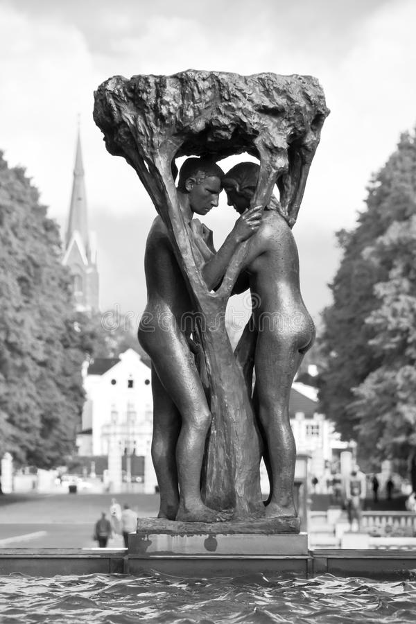 Loving couple - The Vigeland Park, Oslo royalty free stock photography
