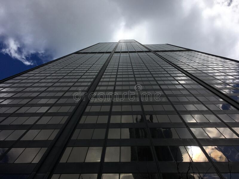 Low Angle Photography Of High Rise Building At Daytime Free Public Domain Cc0 Image
