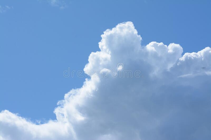 Unpoluted sky with cumulus clouds royalty free stock photos
