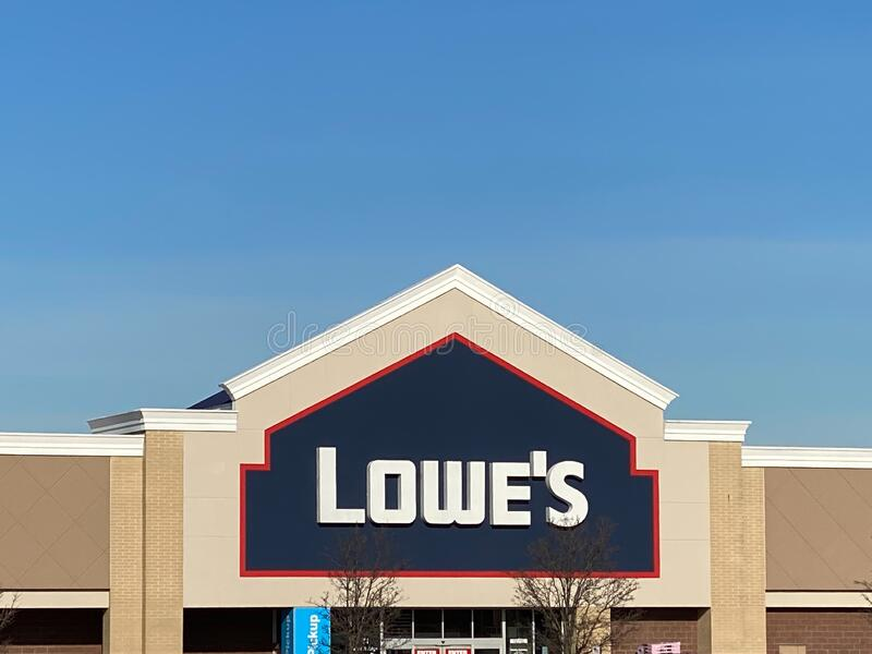 Lowe`s Woodbridge New Jersey. WOODBRIDGE, NEW JERSEY / UNITED STATES - January 9, 2020: the front entrance to the Lowe`s store in the Woodbridge Crossings royalty free stock image