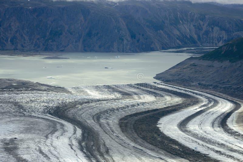 Lowell Glacier y lago, parque nacional de Kluane, el Yukón fotos de archivo libres de regalías