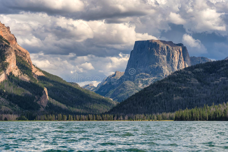 Green River Lakes and Square Top Mountain, Wyoming. The lower of the two Green River Lakes in the Bridger Teton National Forest in Wyomings Wind River mountain stock image