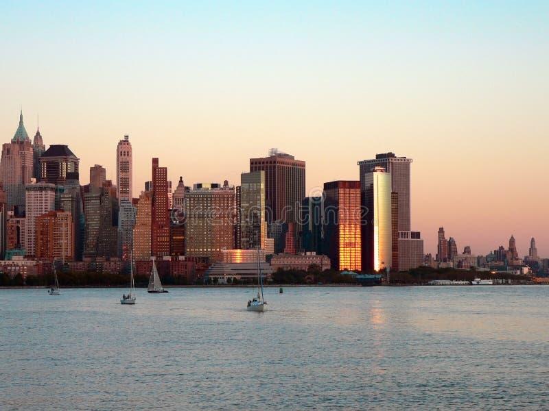 Lower Manhattan bij Zonsondergang royalty-vrije stock afbeelding