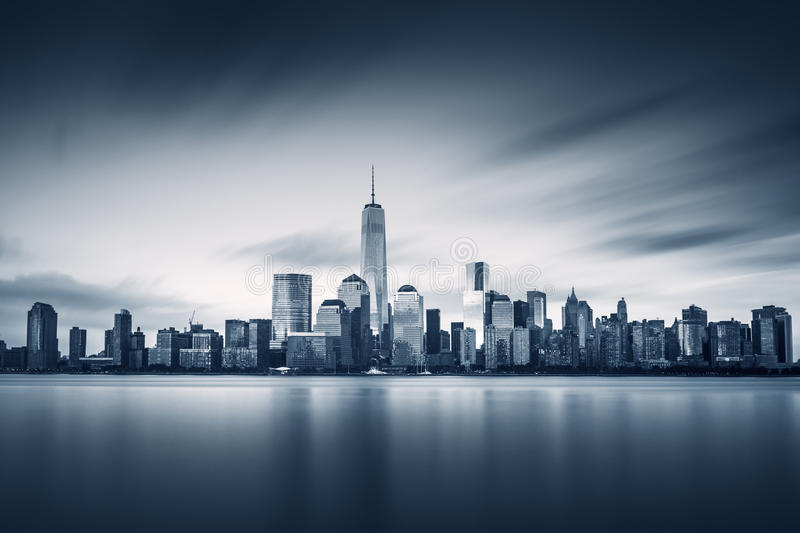 Lower Manhattan de New York City avec le World Trade Center de neuf images stock
