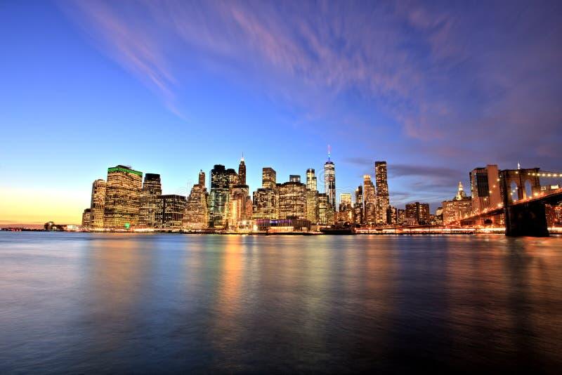 Lower Manhattan de New York City en la oscuridad fotos de archivo libres de regalías