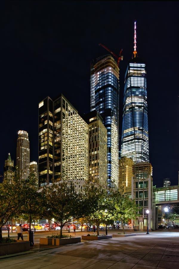 Lower Manhattan en la noche, New York City, los E.E.U.U. foto de archivo