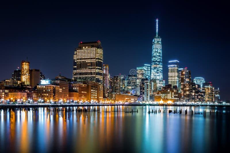 Lower Manhattan por noche fotos de archivo libres de regalías