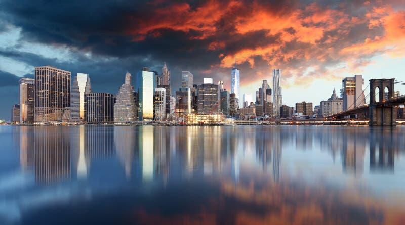 Lower Manhattan przy zmierzchem, Nowy Jork panorama fotografia stock
