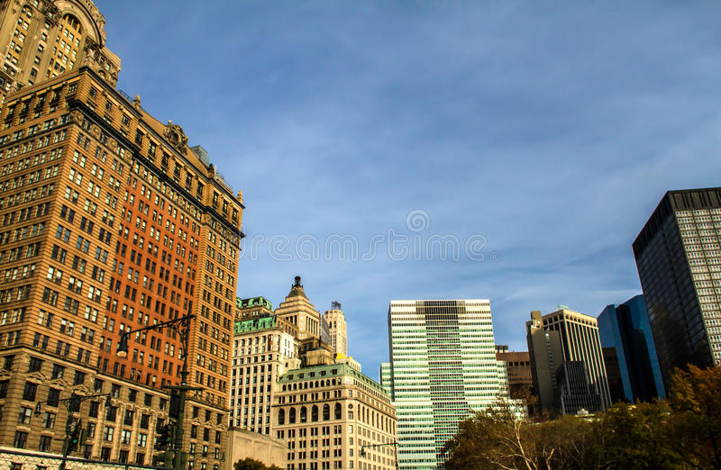 Lower Manhattan sikt från batteriet parkerar, New York royaltyfri bild
