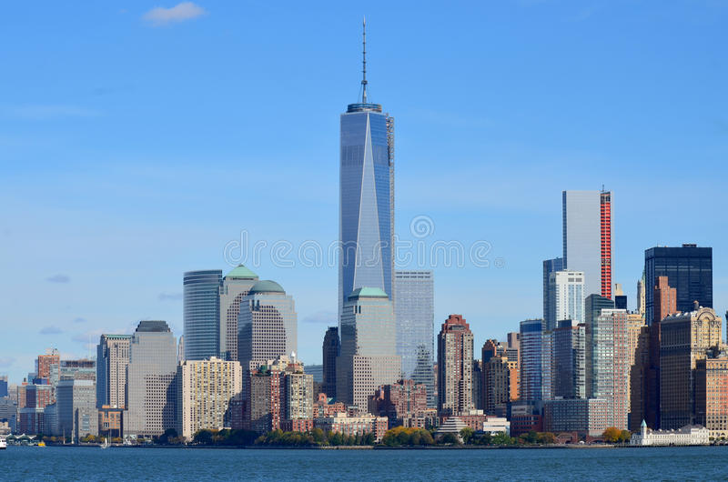 Lower Manhattan y un World Trade Center fotos de archivo