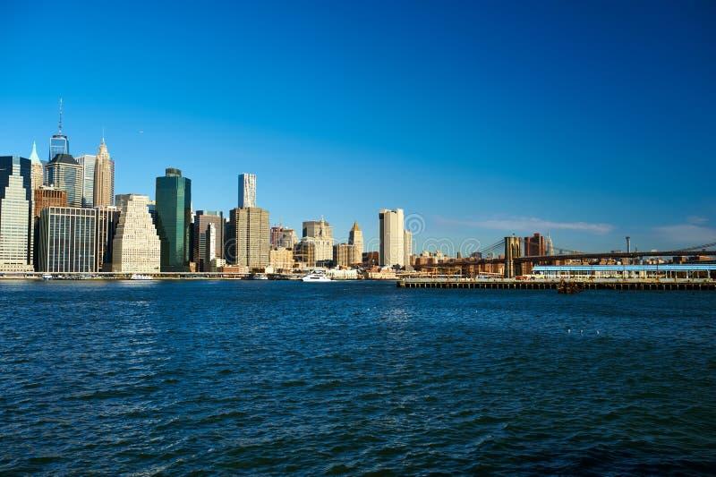 Lower Manhattanhorisontsikt från Brooklyn arkivfoto