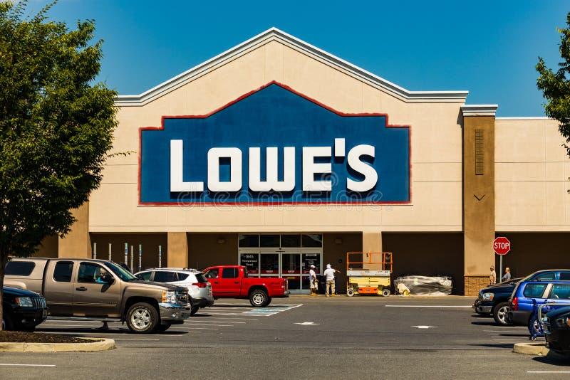 Lowes hemförbättringlager royaltyfria bilder