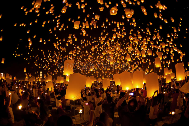 Loy Krathong en Yi Peng Festival stock afbeelding