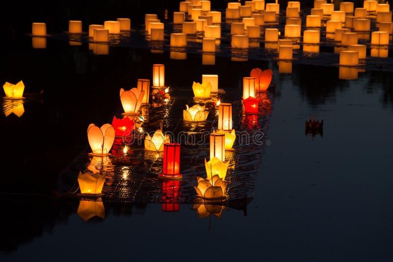 Loy Kratong Festival au parc historique de Sukhothai images libres de droits