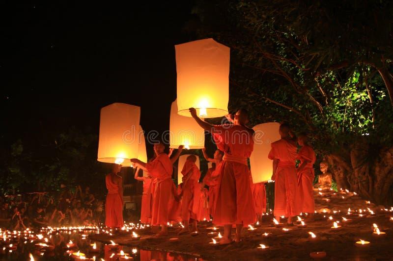 Loy Kratong Festival, Buddha stockbild