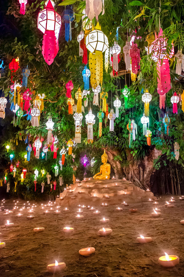 Loy Kratong Festival, Wat Pan Tao Temple, Chiang Mai Thailand imagem de stock royalty free