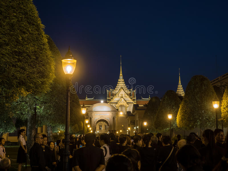 Download Loyalty of Thai people editorial photography. Image of palace - 83708572