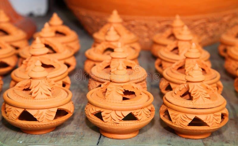 Loza de barro para el Olibanum. El hecho a mano en Tailandia imagen de archivo