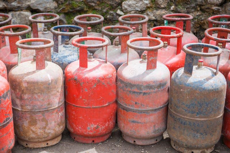 LPG benzynowych zbiorników stare butle obraz stock
