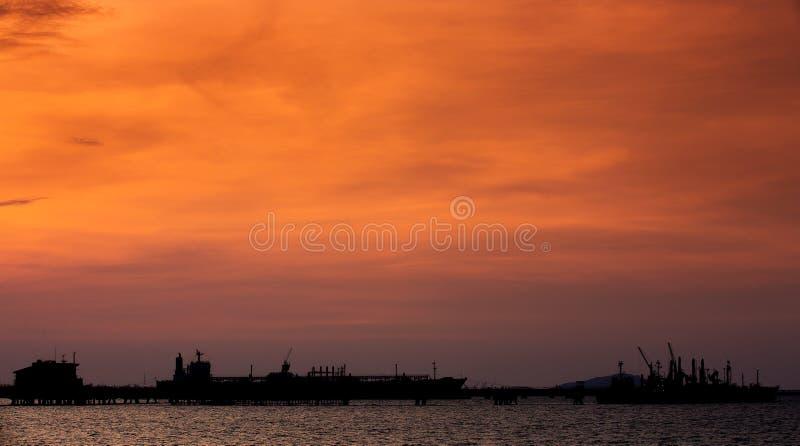 LPG (ciekłych rop naftowych gaz) tankowiec przy Czarnym morzem zdjęcie stock