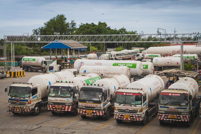 LPG cysterny w Sathupradit Śmiertelnie Siam firma gazowa obrazy royalty free