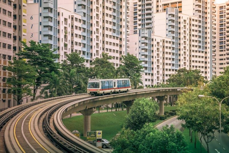 LRT火车服务公开住宅住房公寓看法在武吉班让 库存图片