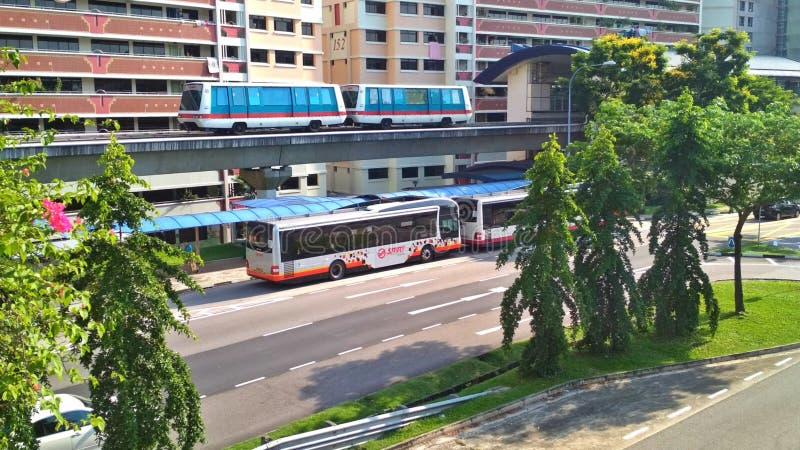 LRT e bus fotografia stock