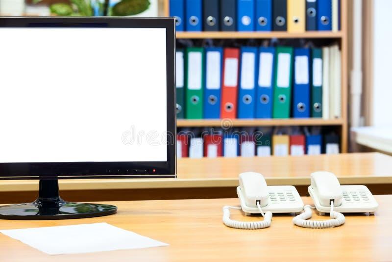 lsd显示器被隔绝的干净的屏幕,与两个白色电话 免版税图库摄影