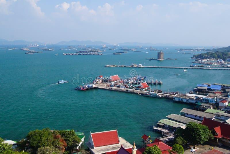 Lsland Koh Sichang de la nave del puerto imagen de archivo