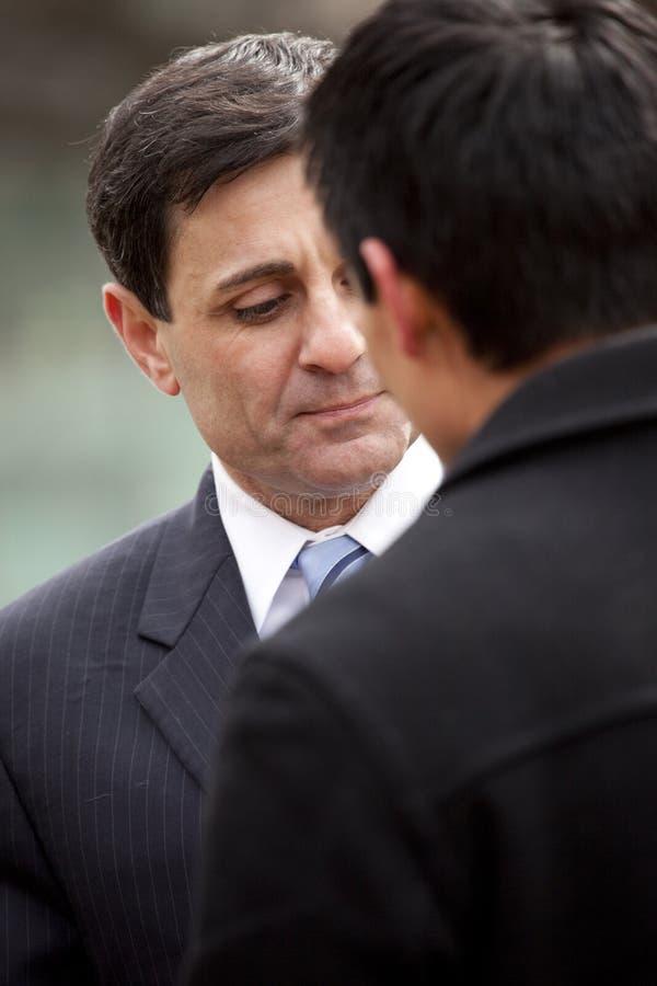 Lt. Governor Mongiardo luistert stock afbeeldingen