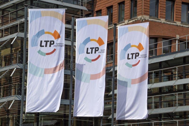 LTP-flaggor i Front Of The Company Building på Amstelveen Nederländerna 2019 royaltyfri bild