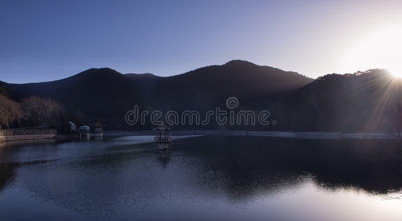 Lu-Lin-sjön av det LuShan landskapet arkivbild