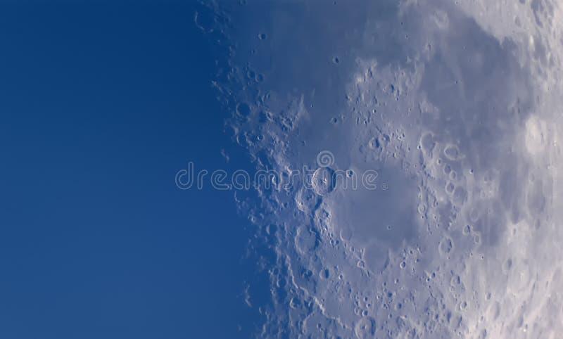 Lua através do telescópio imagens de stock